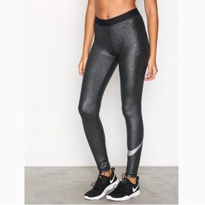 Nike pro Mid rise Dry fit XS leggings silver black